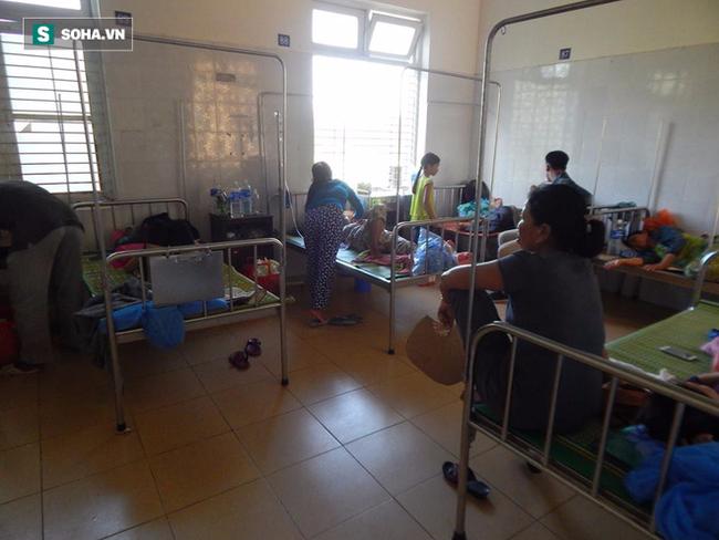 27 người nhập viện cấp cứu sau khi ăn bánh tét trong đám tang - Ảnh 1.