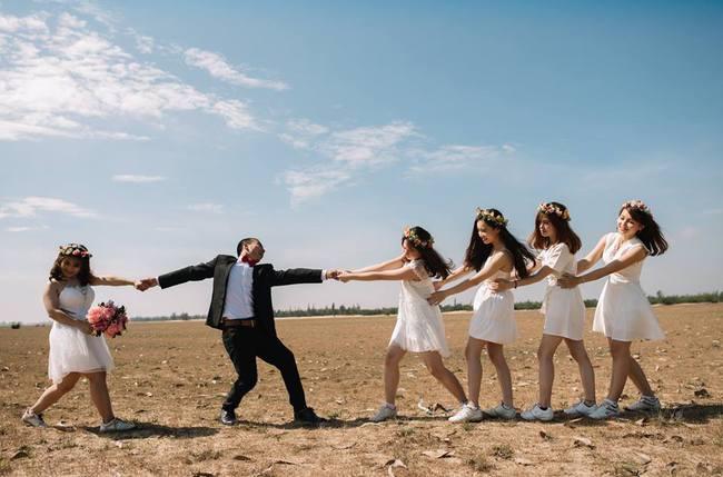 Bộ ảnh cưới đừng hòng mà bắt chước của cô dâu cheerleader bị chú rể cưỡng hôn thay cho lời tỏ tình - Ảnh 21.
