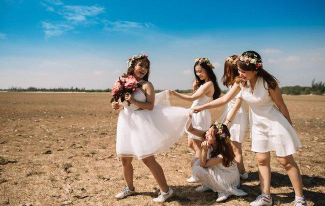 Bộ ảnh cưới đừng hòng mà bắt chước của cô dâu cheerleader bị chú rể cưỡng hôn thay cho lời tỏ tình - Ảnh 24.