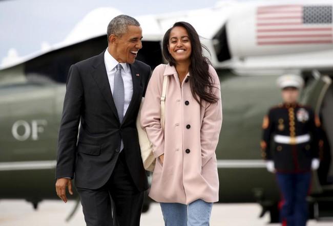 Những khoảnh khắc đáng nhớ bên vợ con của Obama - Ảnh 28.