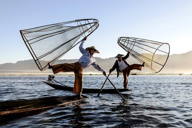 Cuộc sống yên bình trên hồ Inle - Ảnh 3.