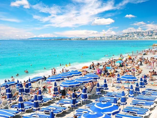 5 bãi biển đẹp tựa thiên đường với chi phí hợp lý của châu Âu