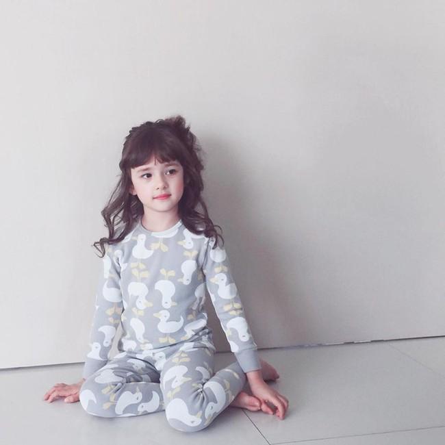 """Mới 4 tuổi, bé gái xinh xắn đã """"bùng học mầm non đi làm người mẫu   - Ảnh 10."""