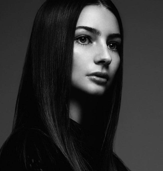 Con gái tài tử Paul Walker bất ngờ trở thành người mẫu ở tuổi 18 - Ảnh 4.
