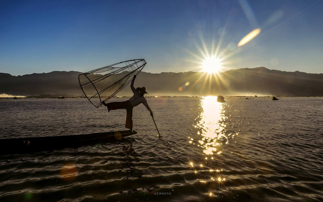 Cuộc sống yên bình trên hồ Inle - Ảnh 4.