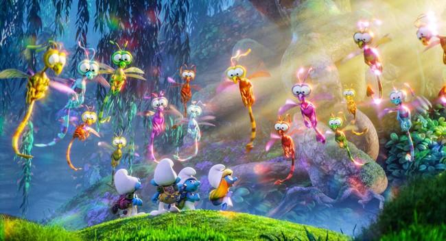 Ngôi làng kỳ bí đẹp mê hồn trong trailer mới nhất của Xì Trum - Ảnh 5.