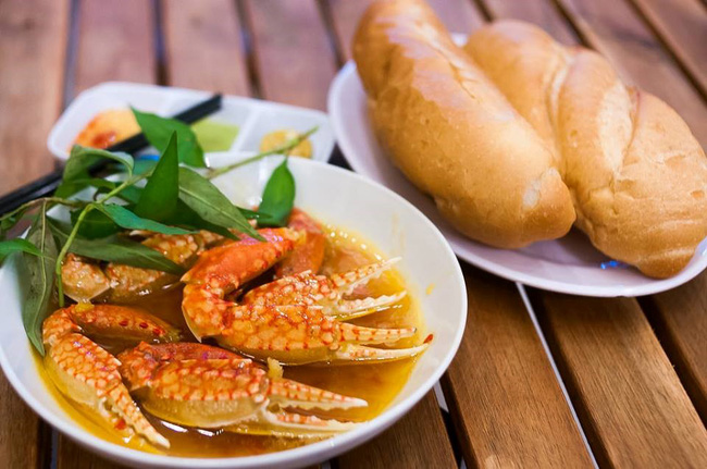Những món ăn có trứng muối ngon nổi tiếng ở TP. Hồ Chí Minh - Ảnh 7.