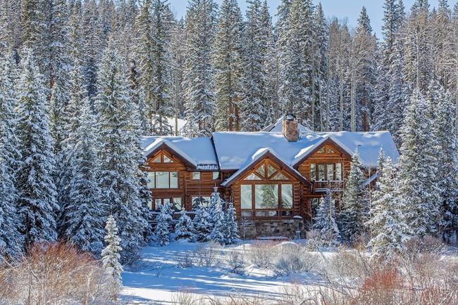 9 ngôi nhà có tuyết bao phủ đẹp như mùa đông ở xứ sở thần tiên - Ảnh 8.