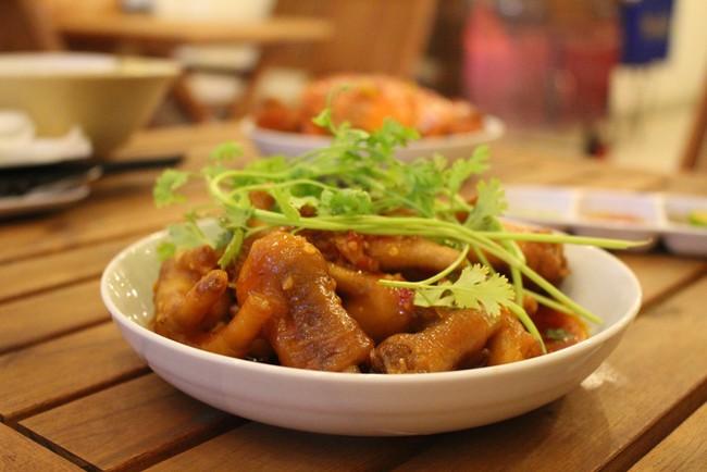 Những món ăn có trứng muối ngon nổi tiếng ở TP. Hồ Chí Minh - Ảnh 9.
