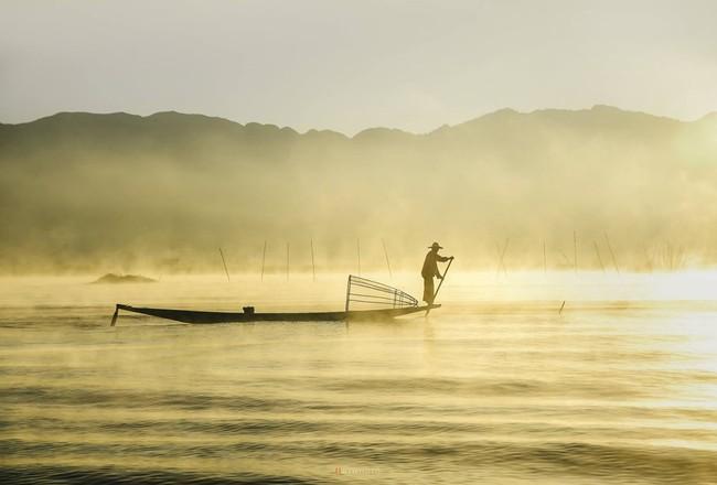 Cuộc sống yên bình trên hồ Inle - Ảnh 9.