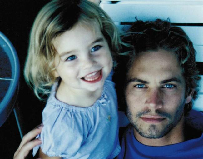 Con gái tài tử Paul Walker bất ngờ trở thành người mẫu ở tuổi 18 - Ảnh 10.