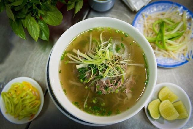 6 món ăn siêu bình dân mà khách nước ngoài nào đến Việt Nam cũng muốn thử - Ảnh 5.