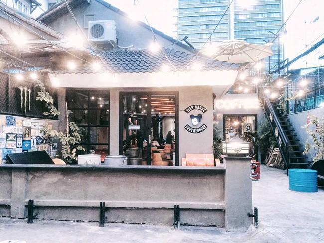 5 quán cà phê  ẩn mình trong hẻm vừa chất, vừa đẹp bất ngờ ở Sài Gòn - Ảnh 28.