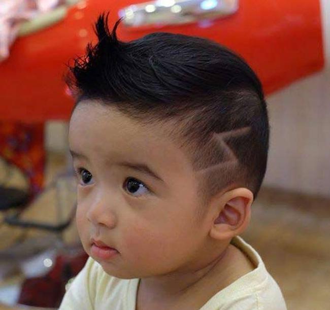 Tuyển tập những kiểu tóc đẹp cho bé trai giúp các mẹ thỏa thích biến con mình thành soái ca - Ảnh 18.