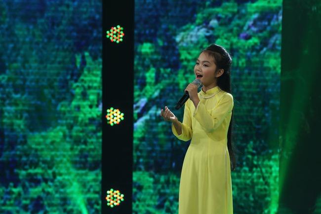 Đây là bé 13 tuổi vừa xinh, vừa hát dân ca hay như NSND Thu Hiền - Ảnh 2.