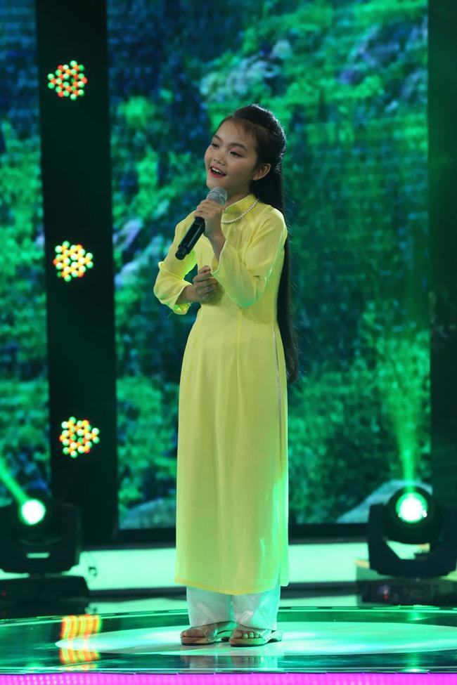 Đây là bé 13 tuổi vừa xinh, vừa hát dân ca hay như NSND Thu Hiền - Ảnh 3.