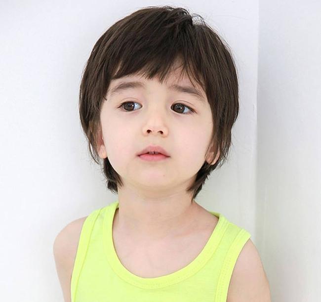 Tuyển tập những kiểu tóc đẹp cho bé trai giúp các mẹ thỏa thích biến con mình thành soái ca - Ảnh 21.