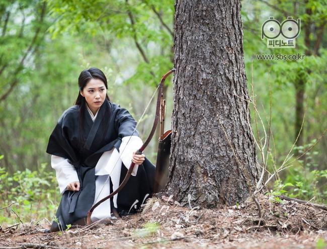 Rớt nước mắt với chuyện tình yêu nhau giữ ở trong lòng của Song Seung Hun - Lee Young Ae - Ảnh 2.