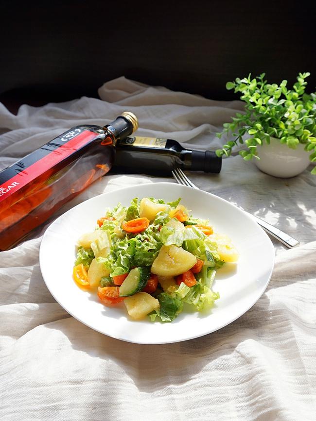 Chống ngán giảm cân với món salad khoai tây làm chỉ trong 15 phút - Ảnh 5.