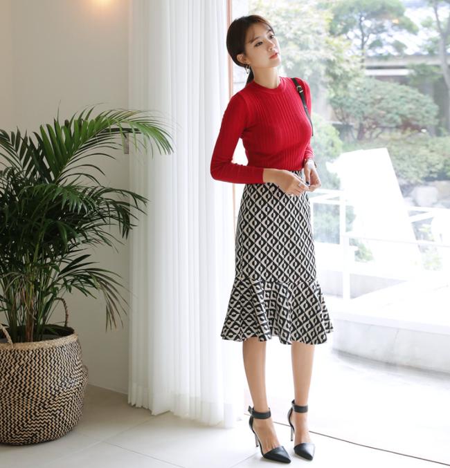 Chỉ là chân váy ôm đơn giản cũng có nhiều biến tấu tôn dáng khiến chị em công sở mê mẩn - Ảnh 12.
