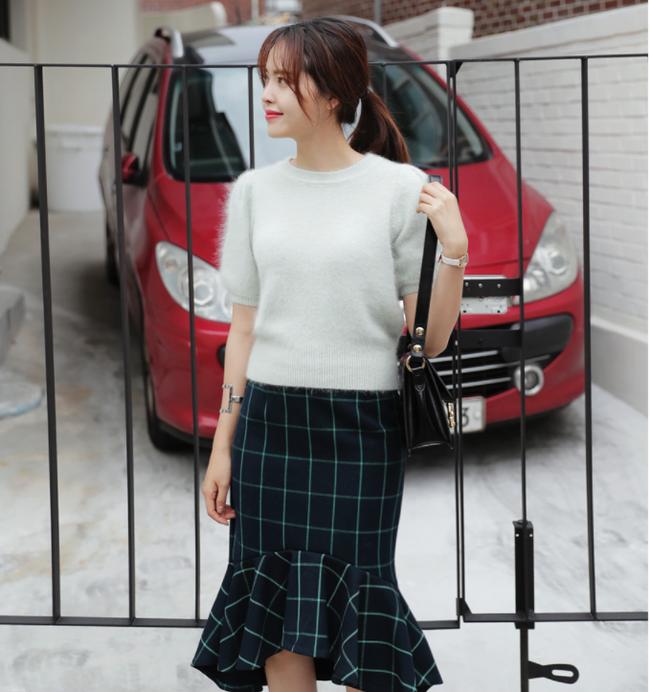 Chỉ là chân váy ôm đơn giản cũng có nhiều biến tấu tôn dáng khiến chị em công sở mê mẩn - Ảnh 10.