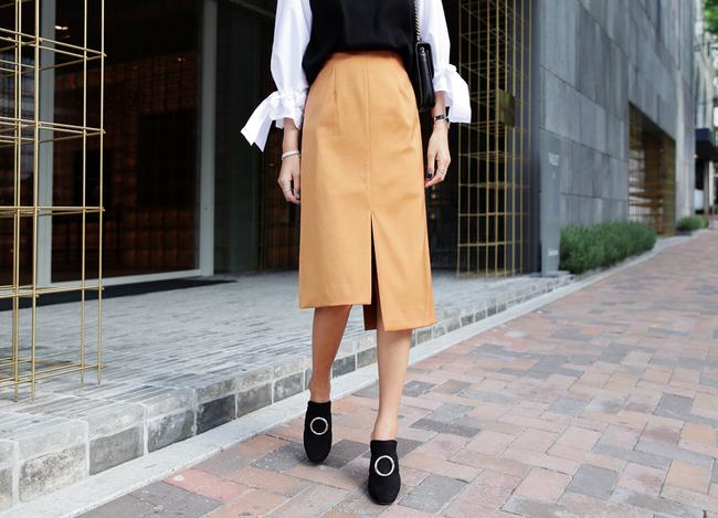 Chỉ là chân váy ôm đơn giản cũng có nhiều biến tấu tôn dáng khiến chị em công sở mê mẩn - Ảnh 22.