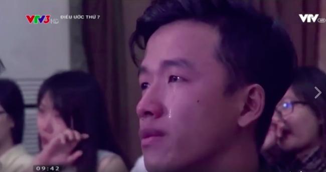 Mỹ tâm lại gây bão mạng xã hội khi nghẹn ngào hát cho chàng trai bị bại liệt - Ảnh 12.