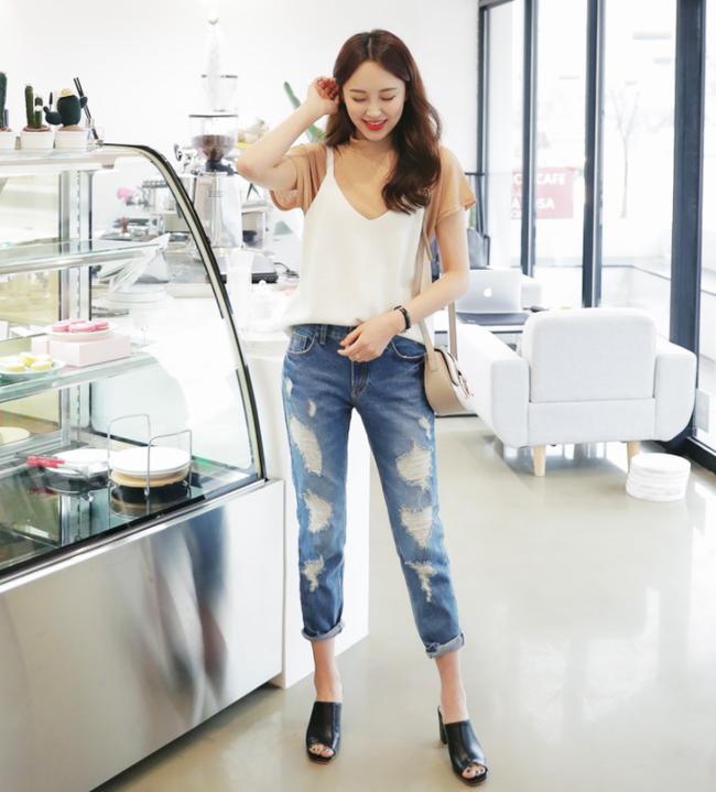 Diện quần dài vào mủa nắng nóng sẽ không còn là nỗi ám ảnh nhờ những mẫu quần jeans, quần vải này - Ảnh 15.