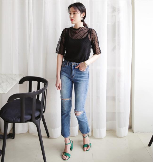 Diện quần dài vào mủa nắng nóng sẽ không còn là nỗi ám ảnh nhờ những mẫu quần jeans, quần vải này - Ảnh 17.