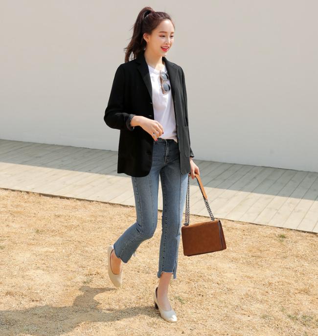 Diện quần dài vào mủa nắng nóng sẽ không còn là nỗi ám ảnh nhờ những mẫu quần jeans, quần vải này - Ảnh 19.