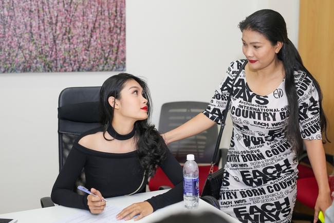Nữ diễn viên đóng nhiều cảnh nóng nhất VN đưa con gái đi casting The Face - Ảnh 6.