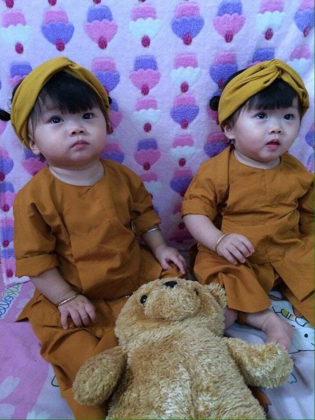 Hai bé song sinh cực đáng yêu với nụ cười happy smile đốn tim bất cứ ai - Ảnh 3.