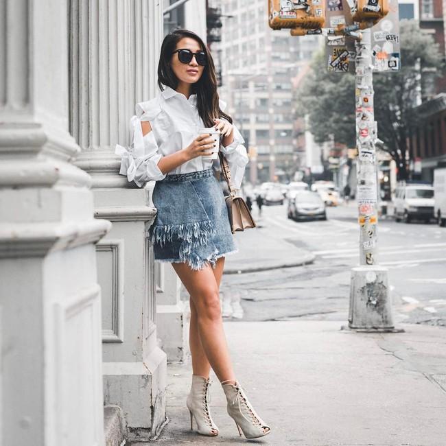 Street style châu Á: không hẹn mà gặp, các quý cô châu Á đều đồng loạt chuyển sang style nữ tính bất ngờ - Ảnh 5.