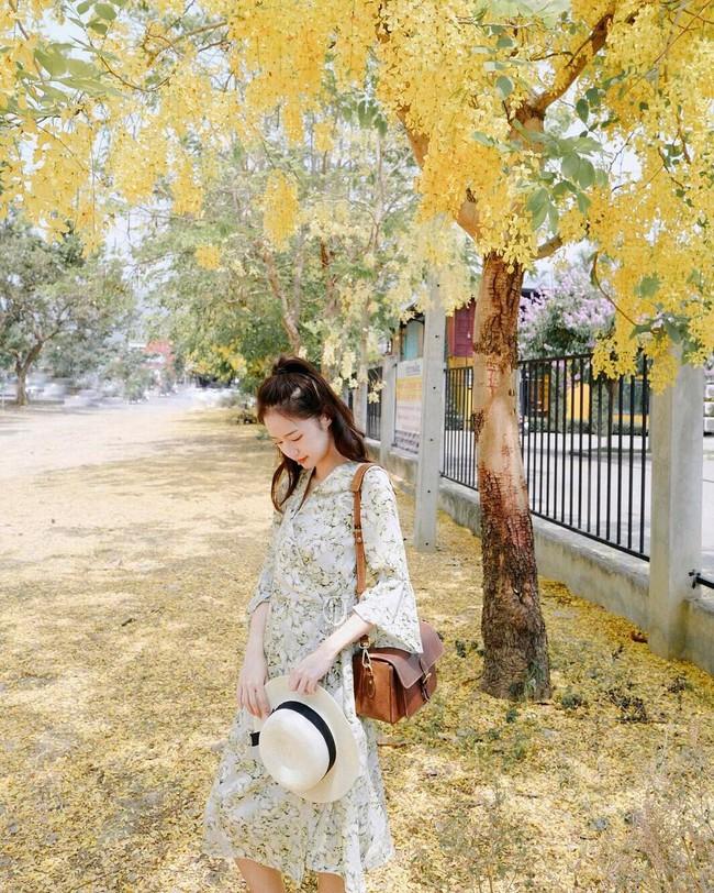 Street style châu Á: không hẹn mà gặp, các quý cô châu Á đều đồng loạt chuyển sang style nữ tính bất ngờ - Ảnh 16.