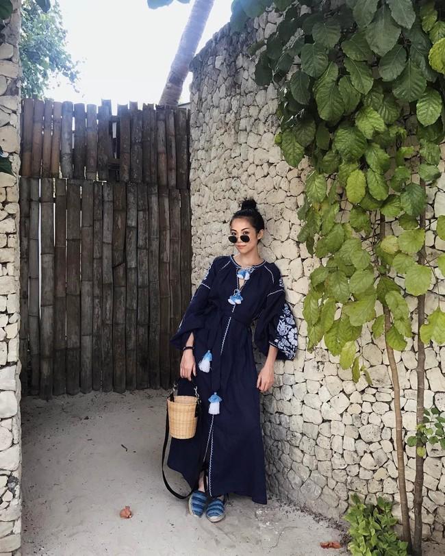 Street style châu Á: không hẹn mà gặp, các quý cô châu Á đều đồng loạt chuyển sang style nữ tính bất ngờ - Ảnh 11.
