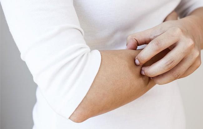 Nếu cơ thể có những triệu chứng này, bạn cần hết sức cẩn trọng vì có thể sắp bị tiểu đường - Ảnh 2.