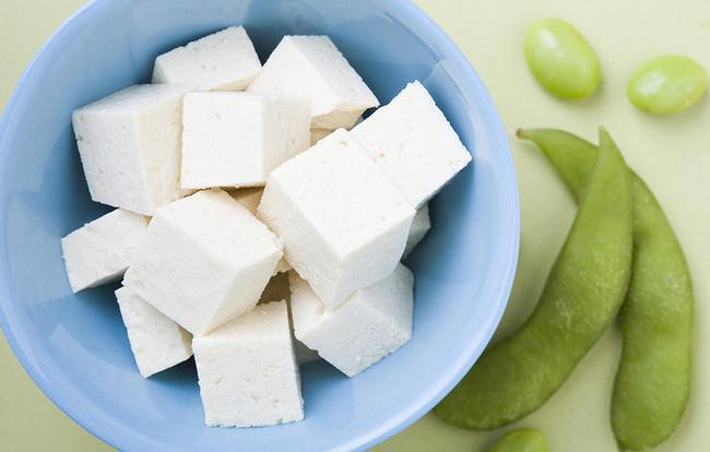 6 thực phẩm quen thuộc hàng ngày các bác sĩ da liễu khuyên bạn nên dùng để tốt cho da - Ảnh 4.