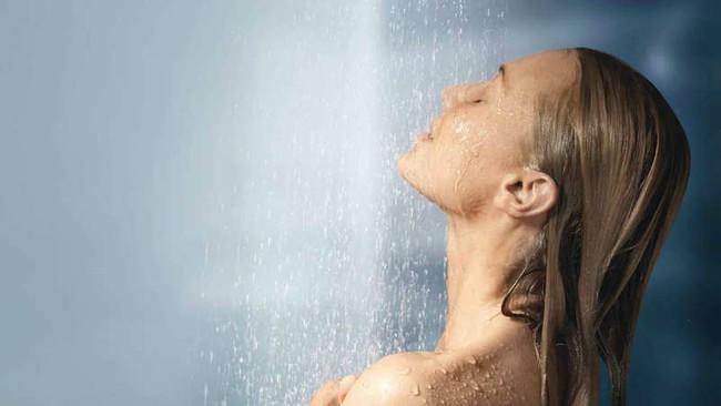 Ai cũng cần phải tắm nhưng ít người biết tắm như thế nào, tắm sáng hay tối mới là tốt nhất - Ảnh 2.