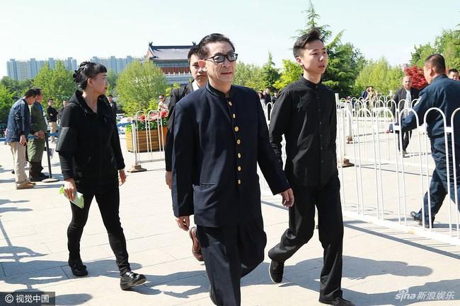 Dàn diễn viên Tây Du Ký tề tựu trong đám tang nữ đạo diễn Dương Khiết - Ảnh 1.
