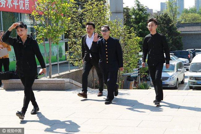Dàn diễn viên Tây Du Ký tề tựu trong đám tang nữ đạo diễn Dương Khiết - Ảnh 2.