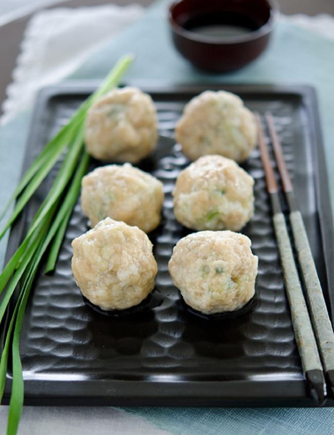 Nóng hổi ngọt thơm món canh thịt viên cải thảo hấp dẫn - Ảnh 7.