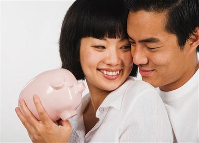 Những cách quản lý tiền bạc trong hôn nhân