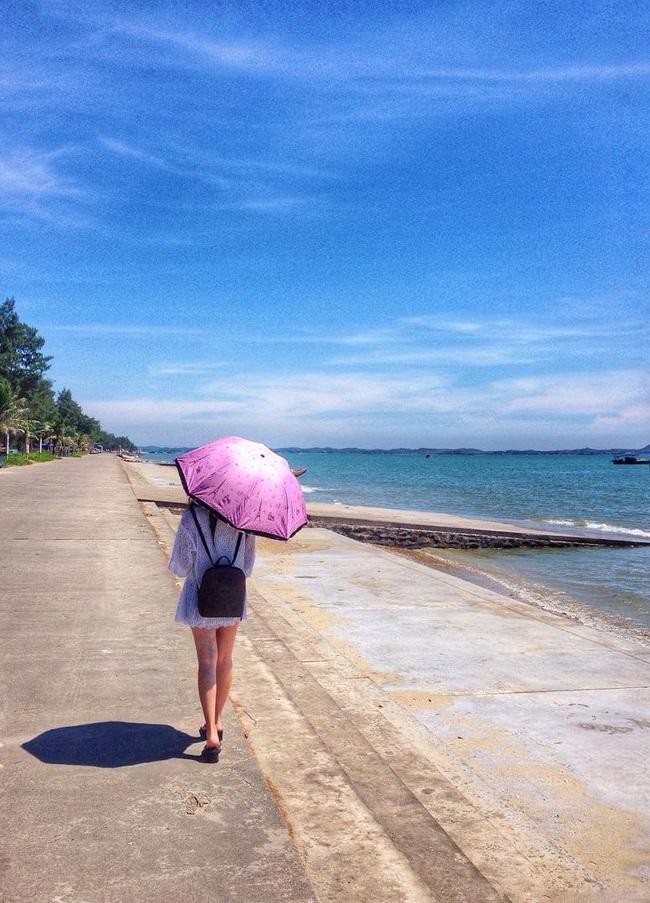 5 bãi biển vừa không cần bon chen đông đúc, vừa thoải mái đi về trong 2 ngày cuối tuần gần Hà Nội - Ảnh 3.