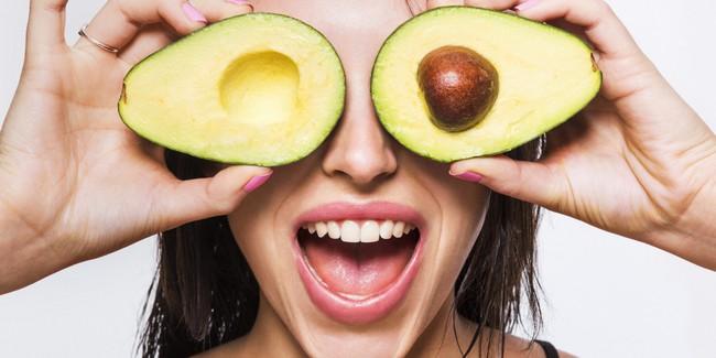 Phụ nữ ngấp nghé 30 chăm ăn những thực phẩm này thì nếp nhăn không bao giờ xuất hiện - Ảnh 3.