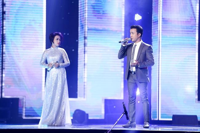 Lệ Quyên - Quang Lê rời ghế nóng, chạy lên sân khấu nhảy múa tưng bừng với thí sinh - Ảnh 11.