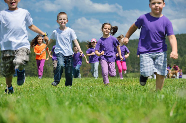 Vì sao trẻ em Mỹ thường hạnh phúc và năng động hơn trẻ em ở các nước khác? - Ảnh 2.
