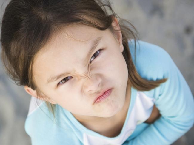Cách ngăn chặn những hành vi xấu của trẻ theo gợi ý của chuyên gia tâm lý - Ảnh 3.