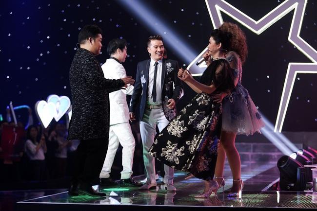 Lệ Quyên - Quang Lê rời ghế nóng, chạy lên sân khấu nhảy múa tưng bừng với thí sinh - Ảnh 5.