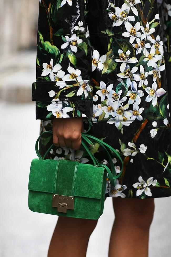 6 lý do sẽ khiến bạn bớt chần chừ mà sắm ngay một chiếc túi mini nhỏ xinh cho hè này - Ảnh 6.