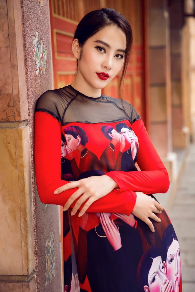 Hoa khôi Nam Em khoe vóc dáng nuột nà trong áo dài truyền thống - Ảnh 7.